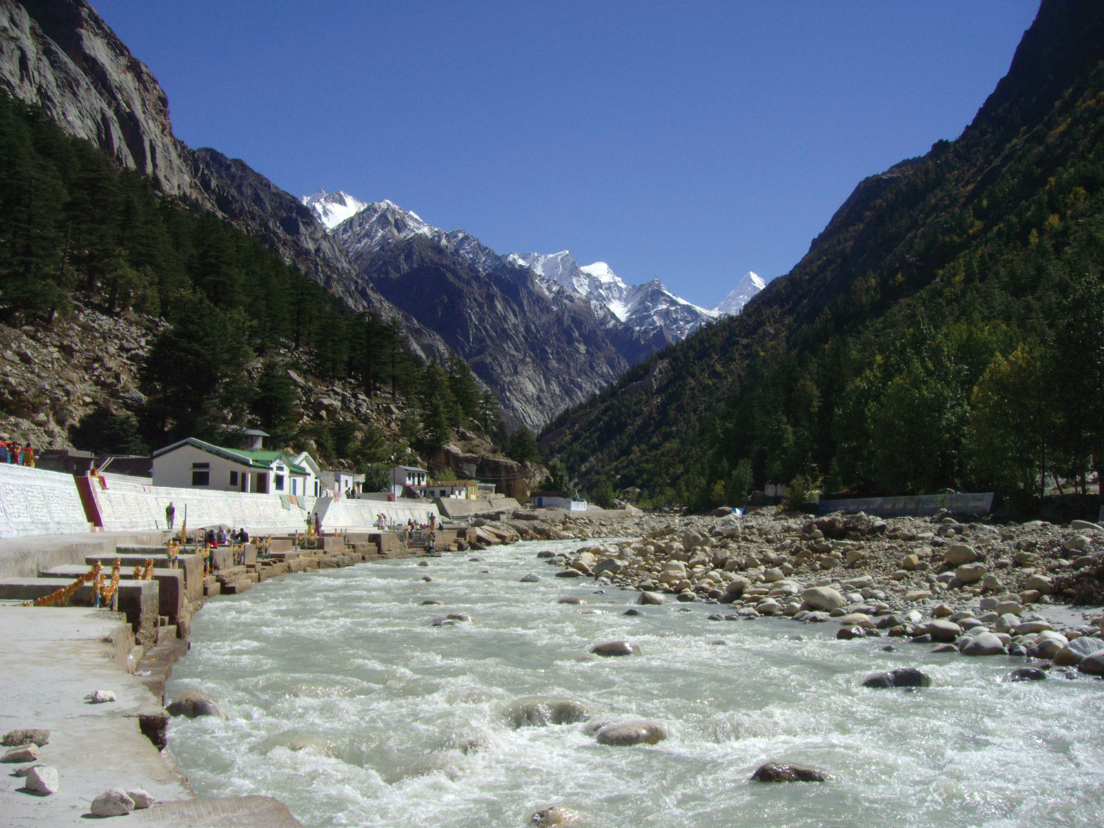 Reliable taxi rental for Chardham yatra Tour